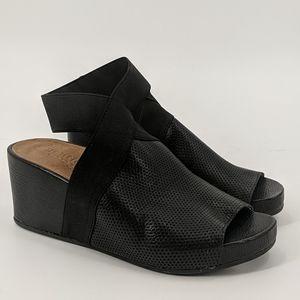 Gentle Souls KENNETH COLE Wedge Platform Sandals